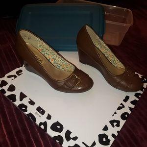 BOGO American eagle AE size 9 wedge leather heels